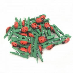 Мини дървени щипчици - зелени с калинки - 6бр. - 25мм