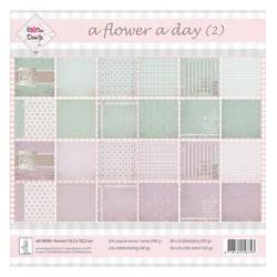 Блокче дизайнерска хартия 15.2 x 15.2см., 250гр.- Rosa Dotje  - Rosa Dotje A Flower a Day-Groen/Lila