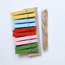 Дървени щипчици - декоративни цветни щипки -  6х50 - асорти - 10 броя + канап