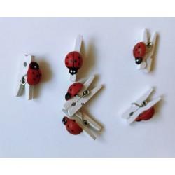 Мини дървени щипчици - бели с калинки - 6бр. - 25мм