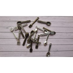 Готварски сет от 20бр. метални влички и лъжички - сребро и бронз - 2.4см