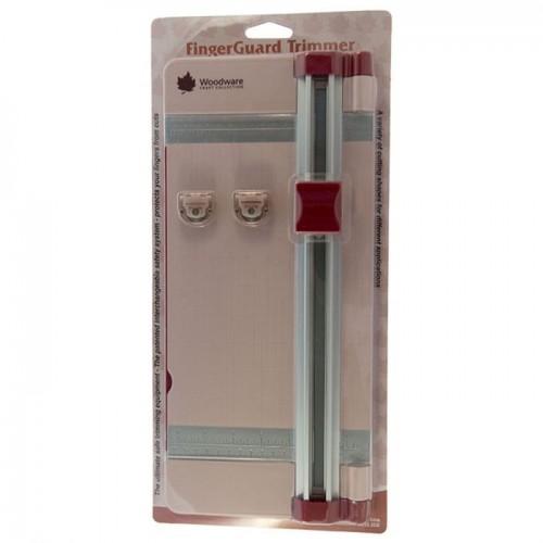 Изключително здрав крафт тример A3 - Woodware - Fingerguard Paper Trimmer 2 Blades