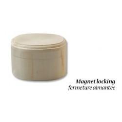 Дървена елипсовидна кутийка за декориране - 8 х 6 - 5см, закопчавена с магнит - Wood poplar box magnet 8x6x5cm